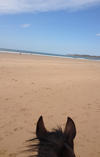 beach_riding_vacation_england